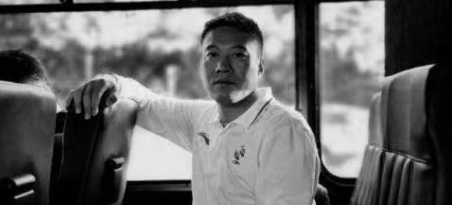 新疆男篮发文缅怀家乡基层篮球教练王涛