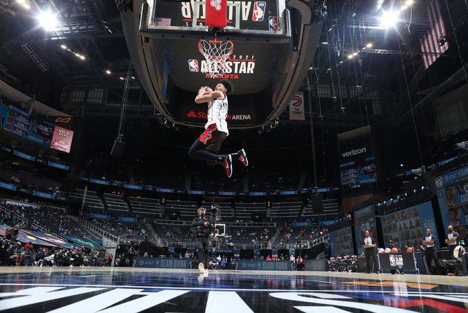 开拓者球员安芬尼-西蒙斯获得2021年全明星扣篮大赛冠军