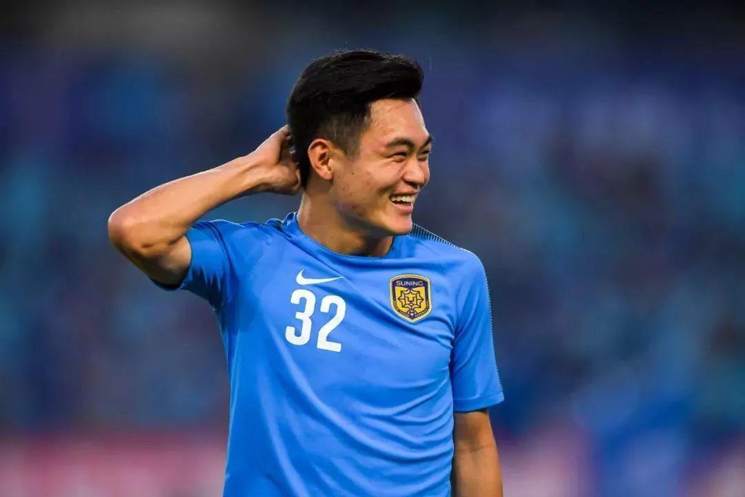 记者:江苏队球员黄紫昌大概率加盟武汉卓尔