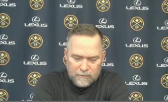 迈克尔-马龙:我们出现了28次犯规,而鹈鹕只有12次