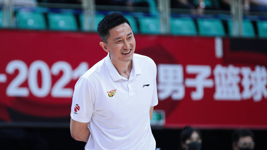 广东自1997-98赛季后,系列赛首战获胜全部晋级