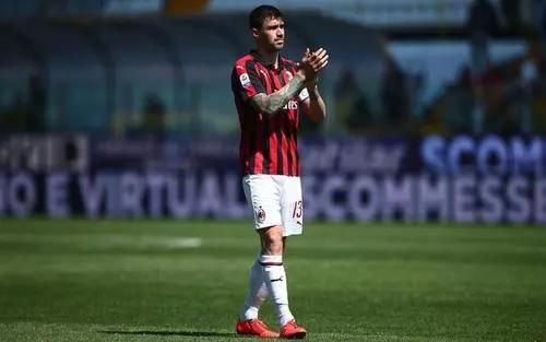 Goal:AC米兰可能与尤文交换罗马尼奥利和贝尔纳代斯基插图