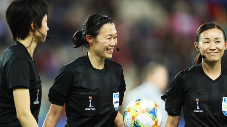 北青:35岁日本女裁判执法中韩战次回合,曾吹罚男足比赛