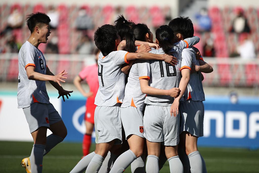 奥预赛首回合:张馨破门王霜点射,中国女足客场2-1韩国女足