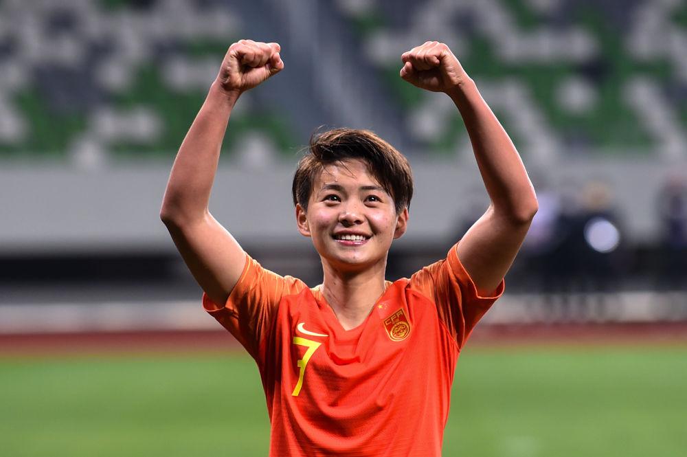 新华社专访王霜:跨过那道坎,中国女足每个人都是英雄