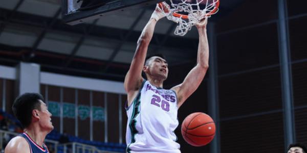 陶汉林20分13篮板,生涯篮板数超张兆旭升至历史第22