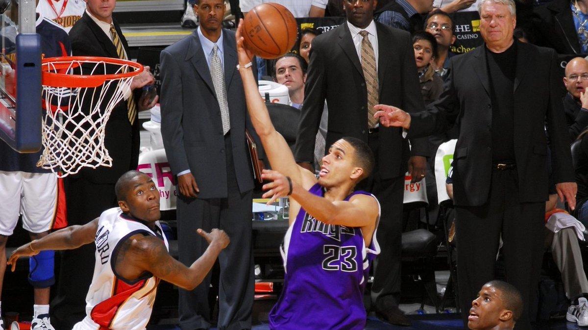 2009年的今天凯文-马丁仅命中11球就得到50分,破NBA纪录-XI全网