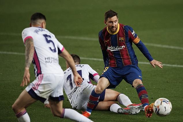 登贝莱抽射绝杀佩德里远射中柱,巴塞罗那1-0十人巴拉多利德