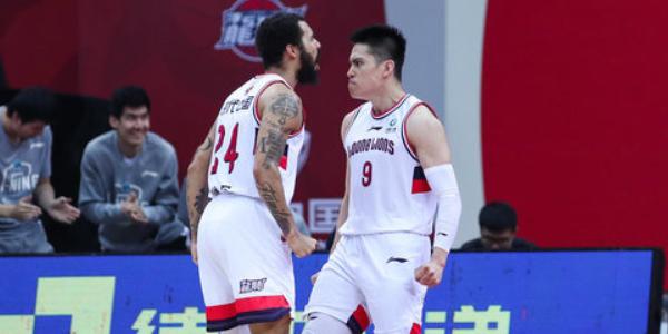 陈盈骏与摩尔当选CBA第五期月度最佳球员