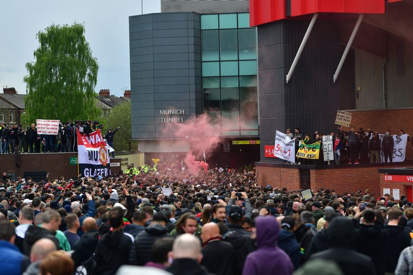 应对球迷再次抗议,曼联在双红会赛前加强安保措施
