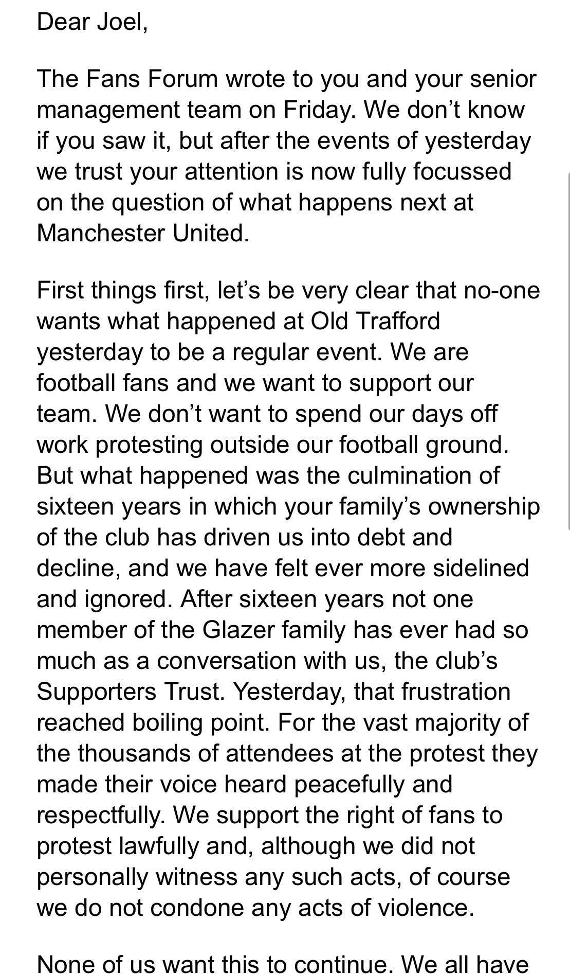 曼联球迷再发公开信:不愿意看见昨天的事,但希望得到回复插图(1)