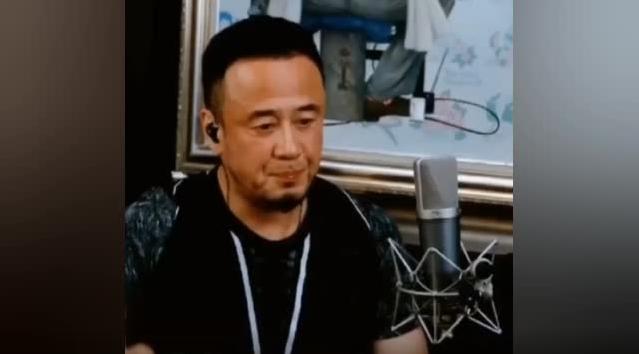 杨坤评价周杰伦新歌,网友热议:学会闭嘴 是中年男子减少油腻感很重要的一点
