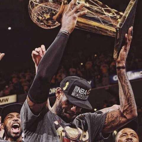 Mr篮球先生丶