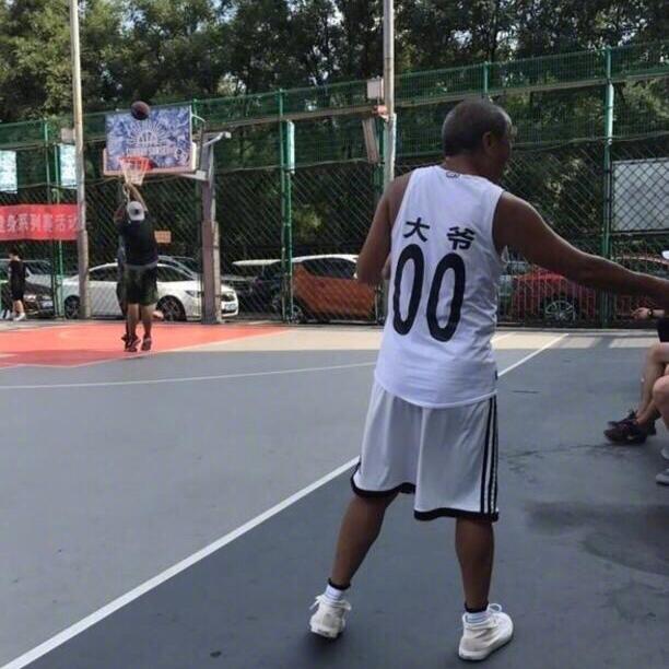 篮球少年丶